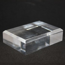 Base acrílica, ángulos biselados : 50x70x20mm