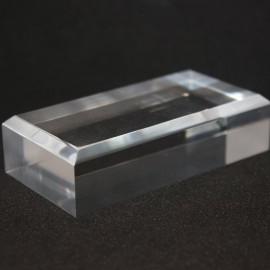 Base acrílica, ángulos biselados : 50x100x20mm