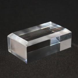Base acrílica, ángulos biselados :  30x50x20mm