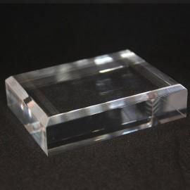 Base acrílica, ángulos biselados : 60x80x20mm
