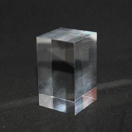 Socle acrylique, prisme :  50x30x30mm