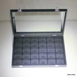 Boîte coffret vitré : 350x240x45mm, noire, 30 cases :