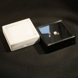 Gemstone boxes 50x50x17 white or black cut stone protection