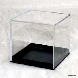 Transparent box :  80x80x80mm.