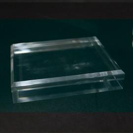 Socle acrylique, angles biseautés : 100x150x30mm