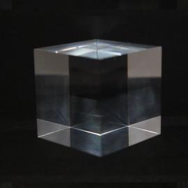 Socle acrylique cube 100x100x100mm